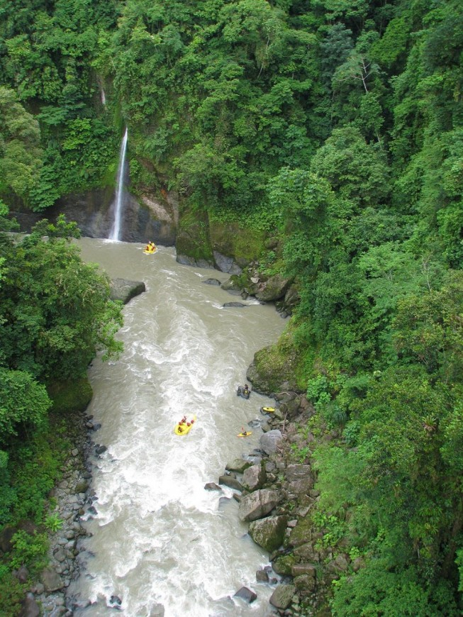 The Pacuare, Costa Rica - Top whitewater kayaking in the world